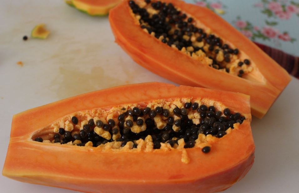 All About Papaya & Papaya Seeds: A Powerful Superfruit For Your Kitchen